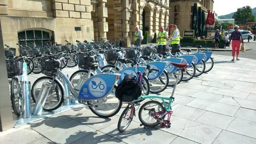 Cycling in the city of Bath
