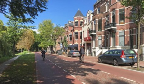The new Maliesingel has become a very pleasant street alongside the old Utrecht city moat.
