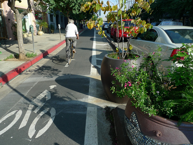 long-beach-cycletrack-3rd-street